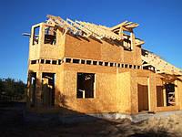 Этап постройки дома: Второй этаж и стропильная система кровли.