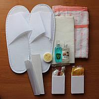 Набор для сауны - пара полотенец, тапочки, мини-набор для душа