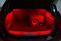 Подсветка багажника —цвет красная!