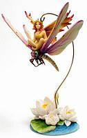 Статуэтка Крошка-фея, сидящая на стрекозе