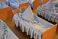 Покрывало голубое  на кроватки для сада с рюшами с одной стороны размер 70 х 140 см .Рюш 20 см