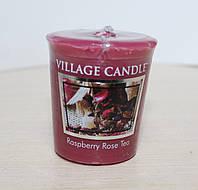 """Ароматическая свеча Village Candle """"Малиновый чай"""". 61 гр/ 18 часов"""
