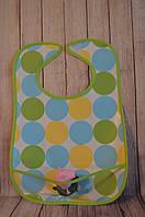Слюнявчик непромокаемый(5 вариантов) Lindo зелёный с абстракцией