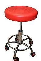 Красный парикмахерский стул-табурет на колёсиках