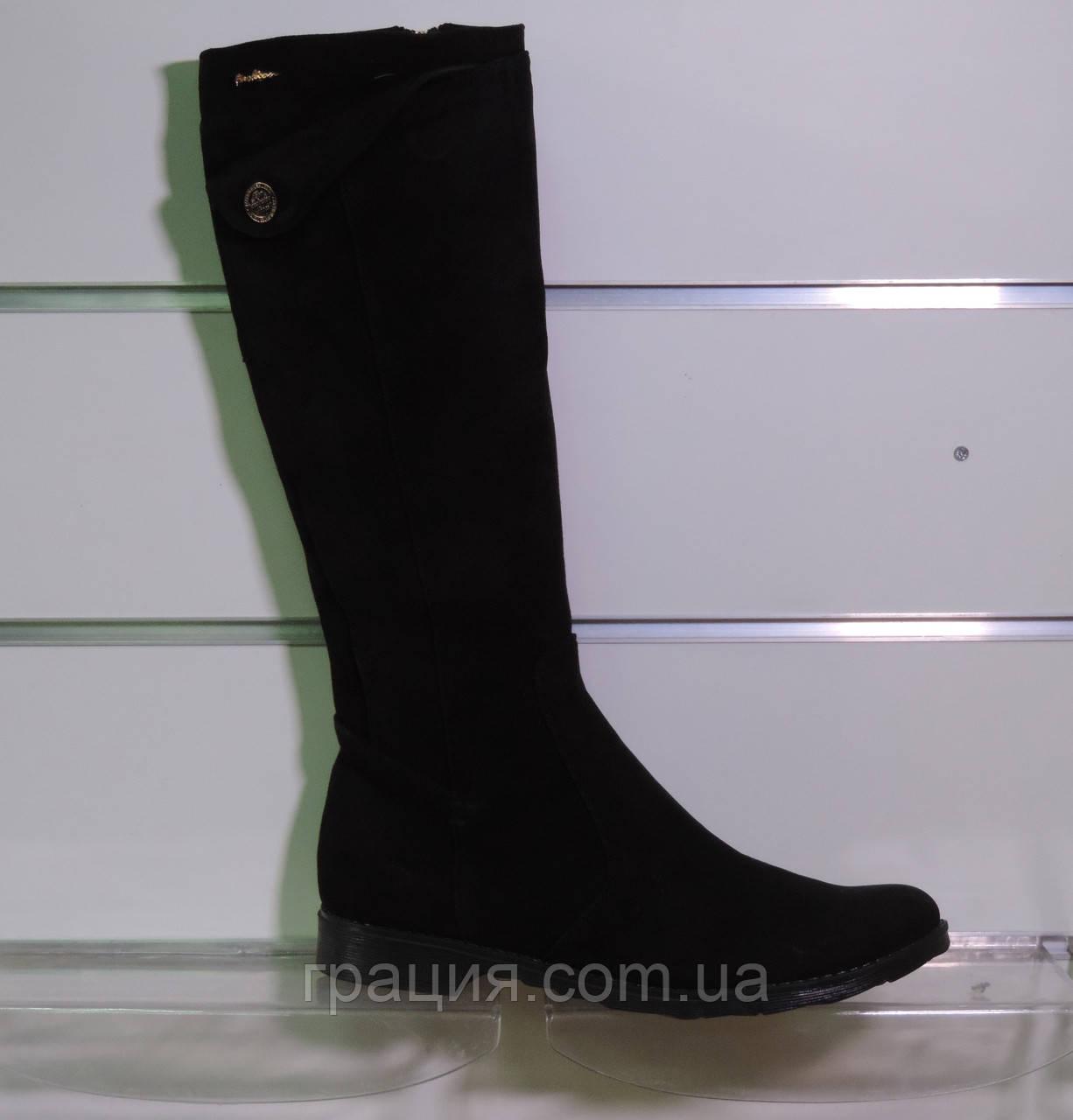Зимові замшеві чобітки на маленькому підборах