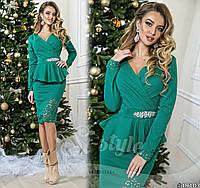 Красивое платье в деловом стиле с баской и перфорацией бирюзовое
