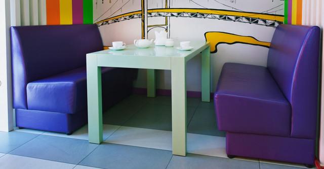 Диван Рокки (в интерьере кафе)