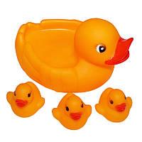 Набор резиновых игрушек-уточек в ванну