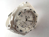 Часы  Q@Q  белые 10Bar ( можно нырять, противоударные, белый полимерный ремешок ), фото 1