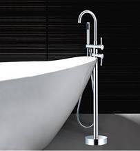 Напольный смеситель  в ванную комнату с ручной лейкой 0220