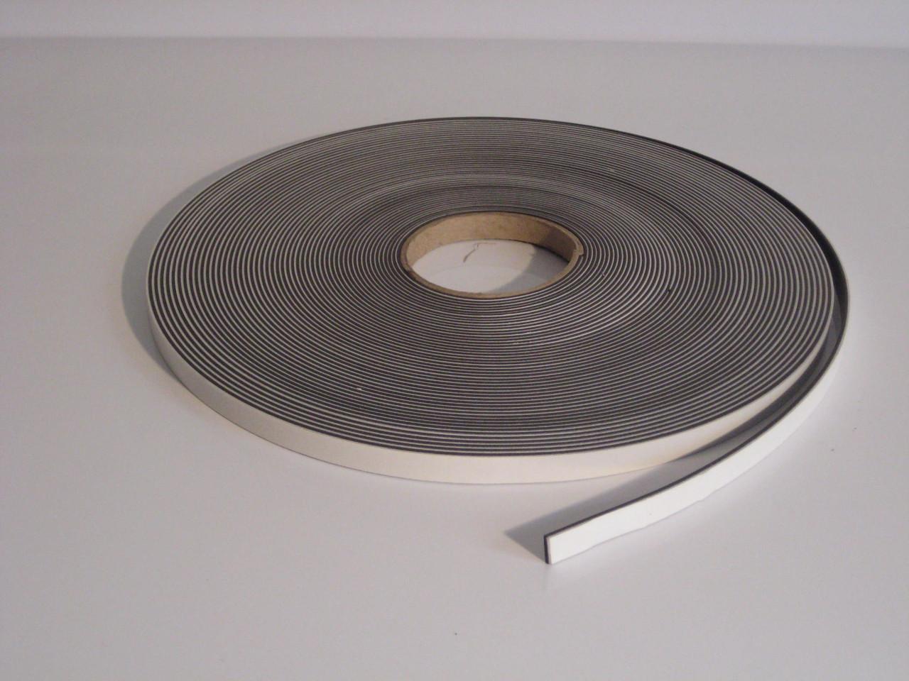 Магнітна стрічка 12,7 мм х 30,5 м з клейовим шаром тип В