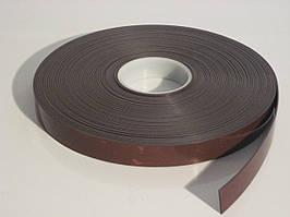 Магнітна стрічка 25,4 мм х 30,5 м з клейовим шаром TESA тип А