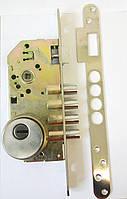 Замок врезной R200 с броненакладкой  на цилиндр 032.67 цвет никель