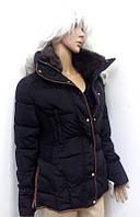 Зимний пуховик короткий черного цвета