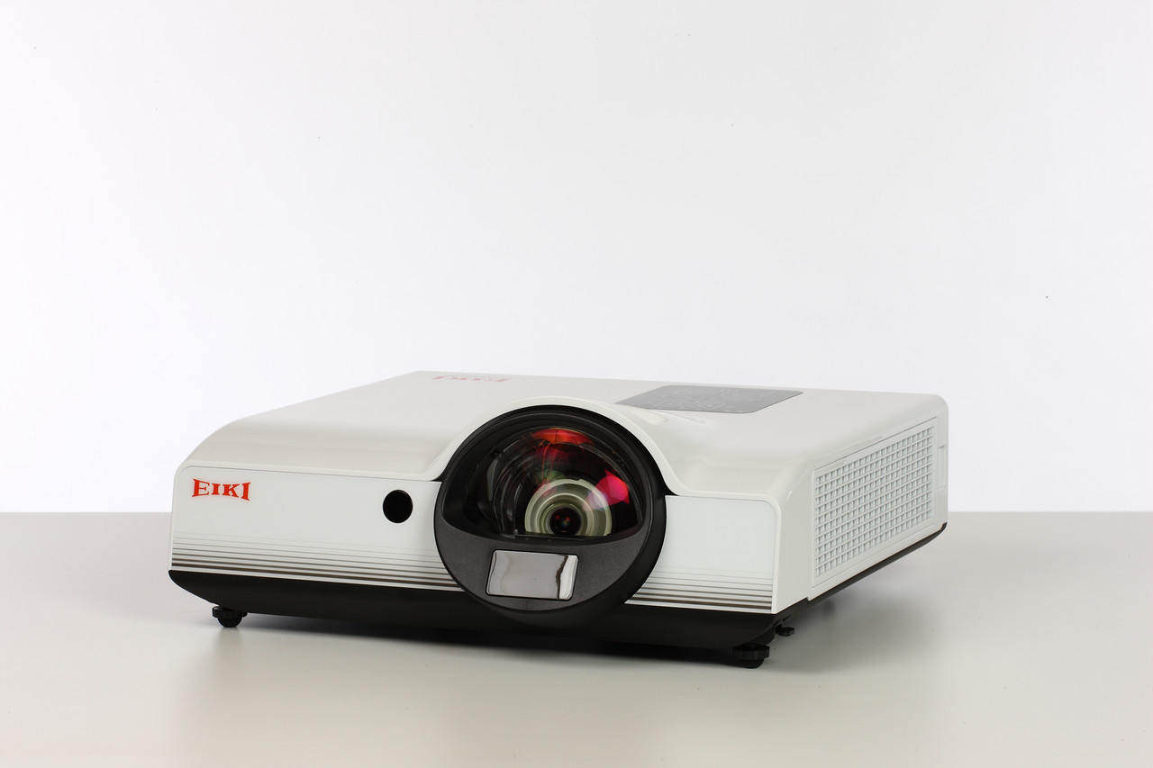 Проектор EIKI LC-XIP2610