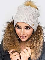 Женская теплая вязаная шапка с бубоном