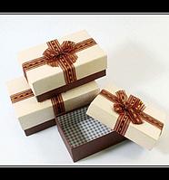 Средние подарочные коробки