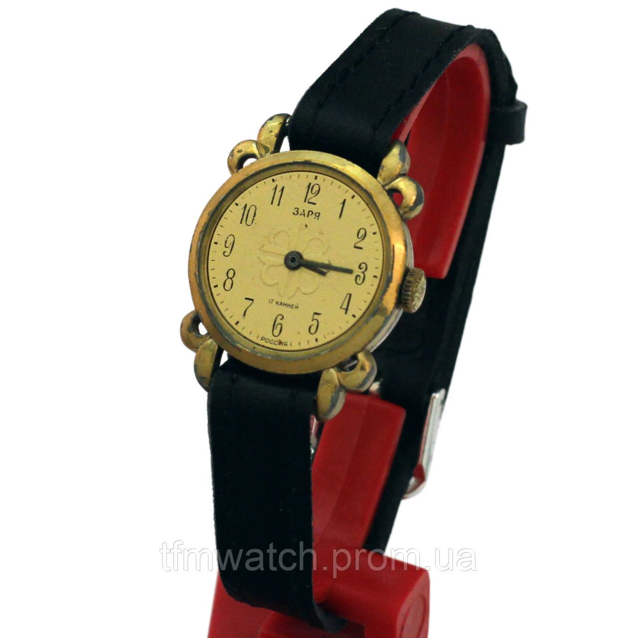 Российкие женские часы Заря 17 камней