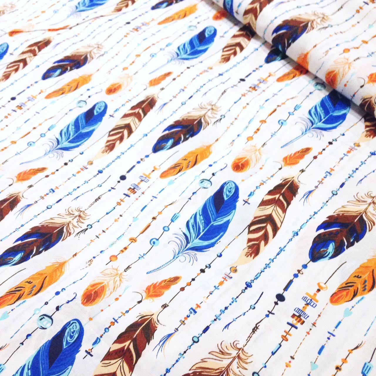 Хлопковая ткань с бирюзово-оранжевыми перышками №340 - Интернет-магазин « метр Ткани» в Киеве