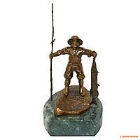 "Бронзовая фигурка на мраморной подставке ""Рыбак"", 7 х 11 х 9 см"