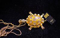 Ювелирная флешка в виде золотой черепашки со стразами Сваровски , кулон на золотой цепочке 8 Гб