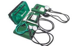 Аппарат для измерения кровяного давления (сфигмоманометр) с тремя манжетами
