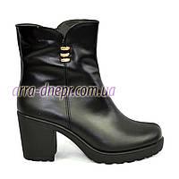Кожаные зимние женские ботинки на устойчивом каблуке