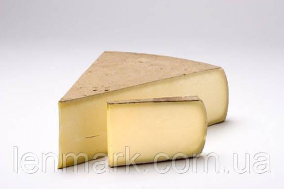 Сыр твердый кусковой Gruyere Superior Quality Грюйер Швейцарский висшего качества 1/4 шт