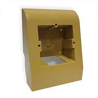 Плинтусная коробка светло-коричневая
