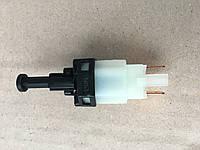 Выключатель  стоп-сигнала  Ланос  (ОЕМ  Корея)