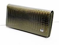 Кожаный кошелек BALISA оливкового цвета.