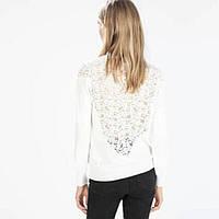 Модная женская кофта белого цвета с кружевом на спине