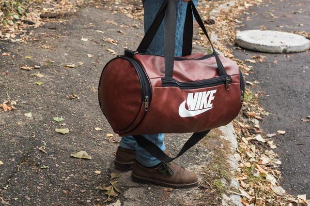 b3d563bddcc4 Мужская спортивная кожаная PU сумка Nike бочка черная от интернет ...