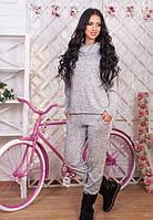 Женский трикотажный спортивный костюм серый