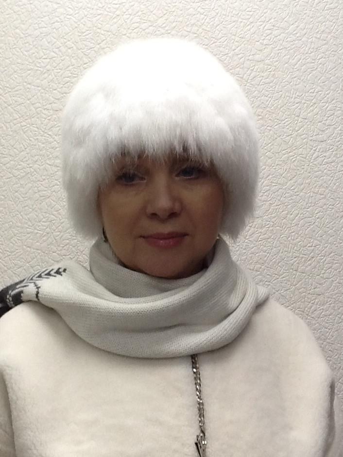 Шапка в стиле Elisabetta Franchi женская песец белая вязка