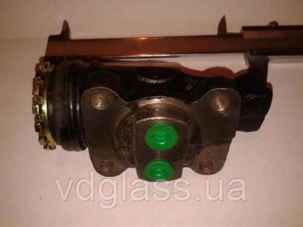 Цилиндр тормозной рабочий передний без АБС штуцер-штуцер FAW 1031, 1041