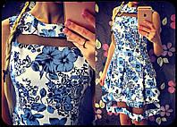 Красивое женское платье с фатином