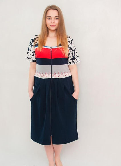 Женский летний халат среднего размера с цветами на руковах