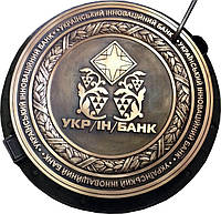 Люк канализационный средний KASI тип С (В125) KВL03P с логотипом из латуни (Чехия)