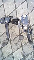 Кронштейн крепления педали сцепления Renault Master 2.3 dci 2010-> Оригинал б\у