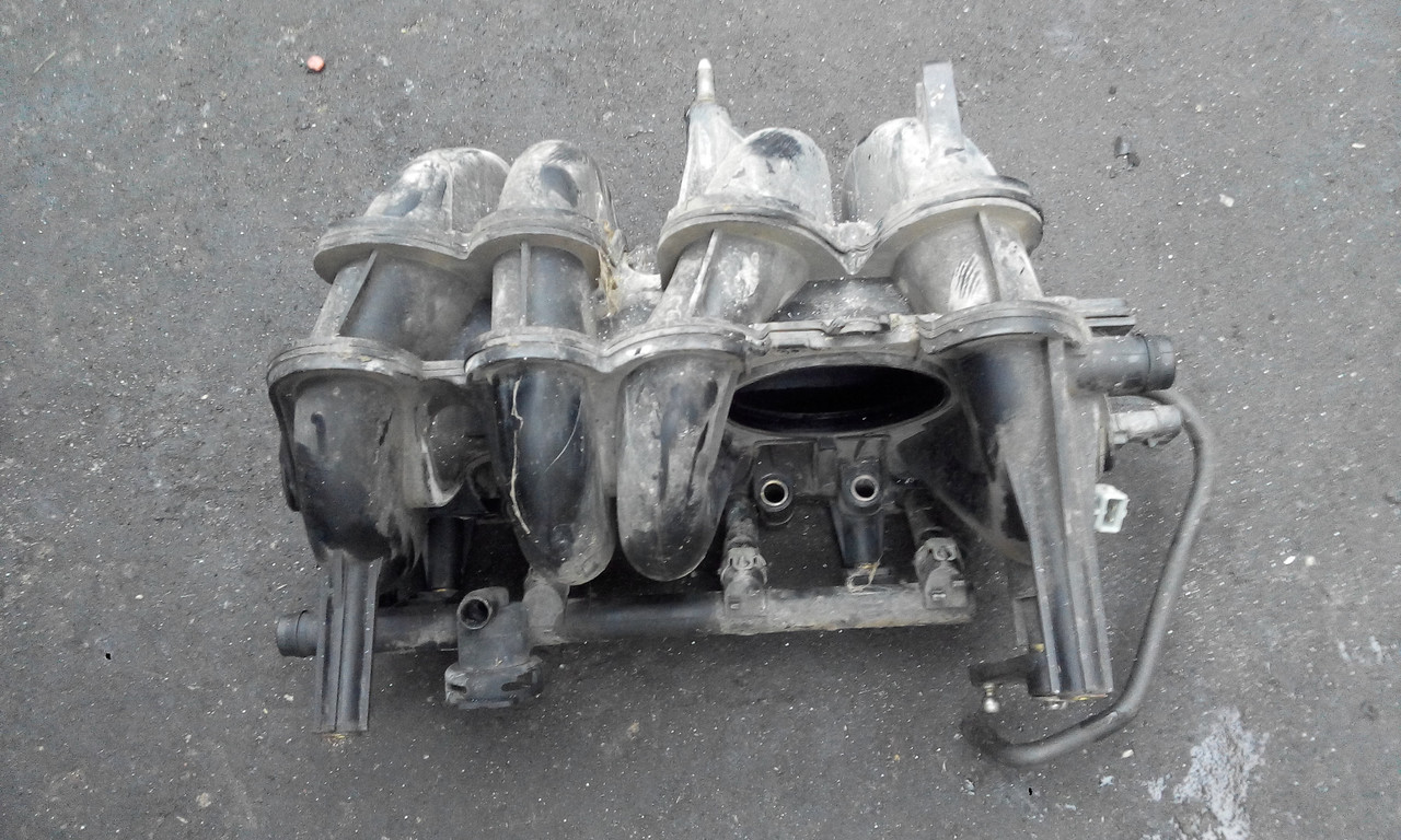 Коллектор впускной Рено 1.4 8V б/у