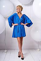 Женское платье из шелка и поясом