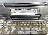 Зимняя средняя накладка (сверху номера матовая) - Opel Vivaro (2001-2015)