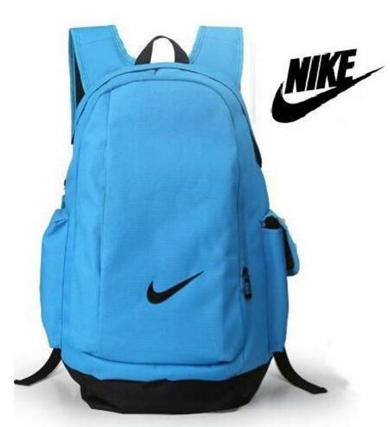 93d042d61faf Рюкзак Nike Standart mod воплотил в себе массу преимуществ: вместительный,  функциональный и универсальный в применении. С ним легко ходить по городу,  ...