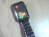 Стильные бинарные LED часы из 28 светодиодов