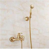 Смеситель кран золотой в ванную комнату с лейкой