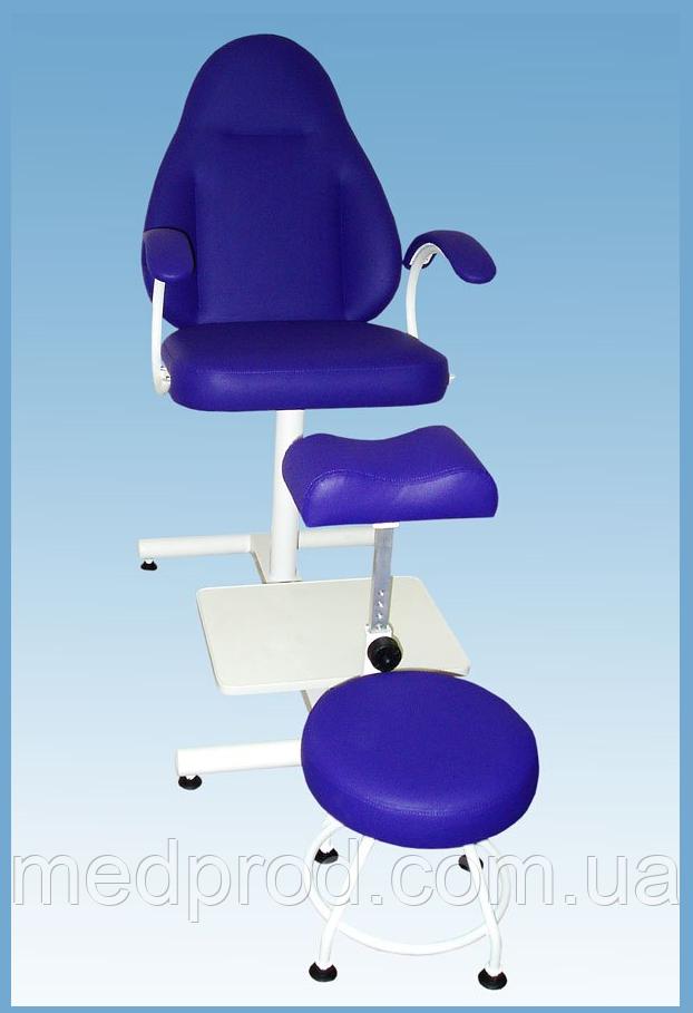 Педикюрне крісло КП-2 з регульованою підставкою
