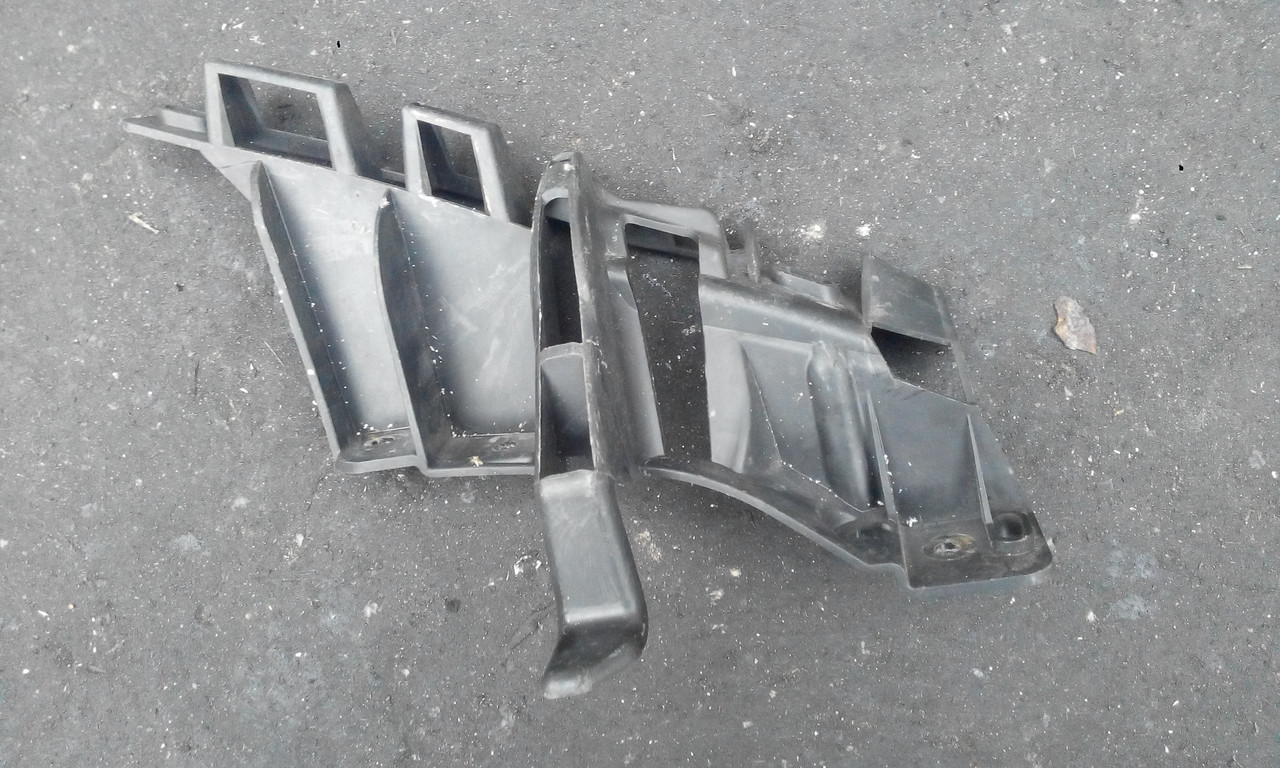 Кронштейн бампера переднего левый Рено Модус б/у