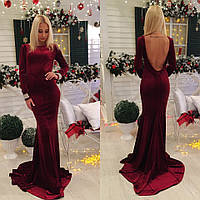 Вечернее платье из бархата со шлейфом