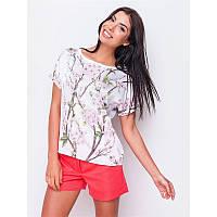 Блуза белая с принтом розовые цветы